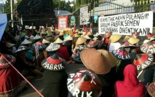 Perlawanan WALHI terhadap Kejahatan Lingkungan Hidup di Karst Kendeng