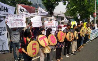 Stop Energi Kotor Batubara, Hentikan Kriminalisasi Pejuang Lingkungan Hidup